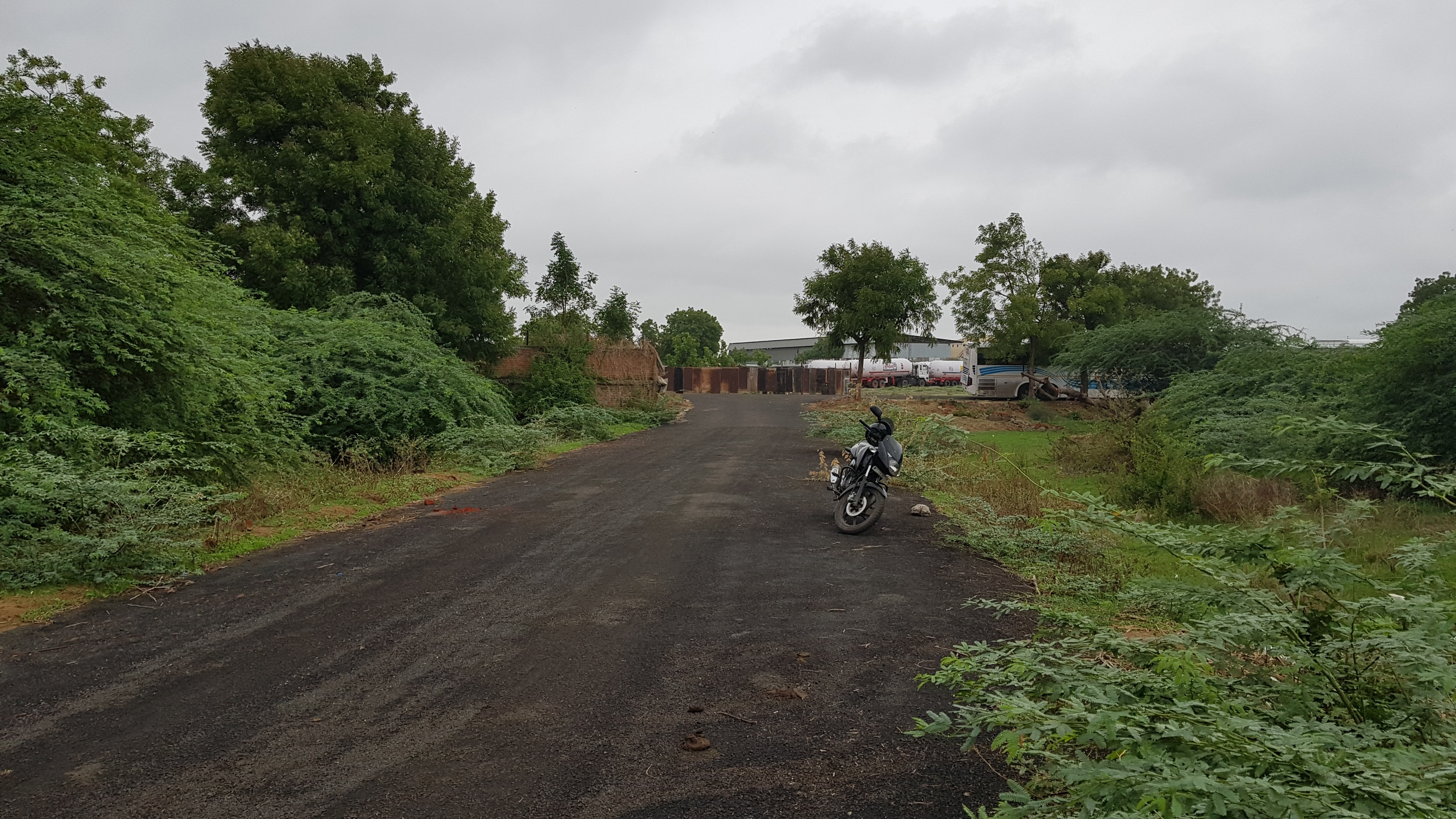Land for warehouse on lease